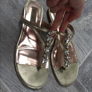 Badgley Mishka sandals in gold💋💋